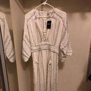Forever 21 Dress- Long Len Ivory/Charcoal- Size M